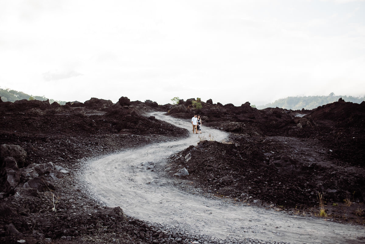 Engagement photo session in Batur Mountain view