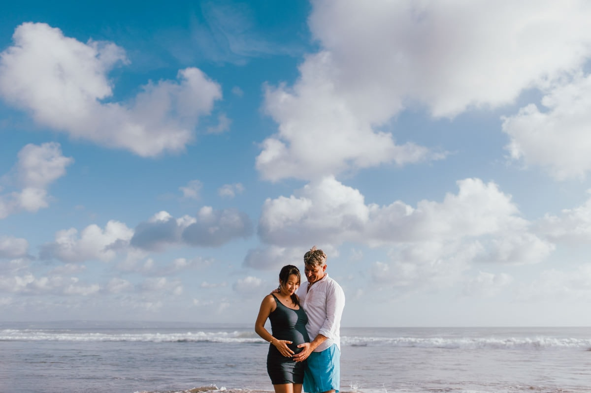 beach maternity photography portrait of mom and dad