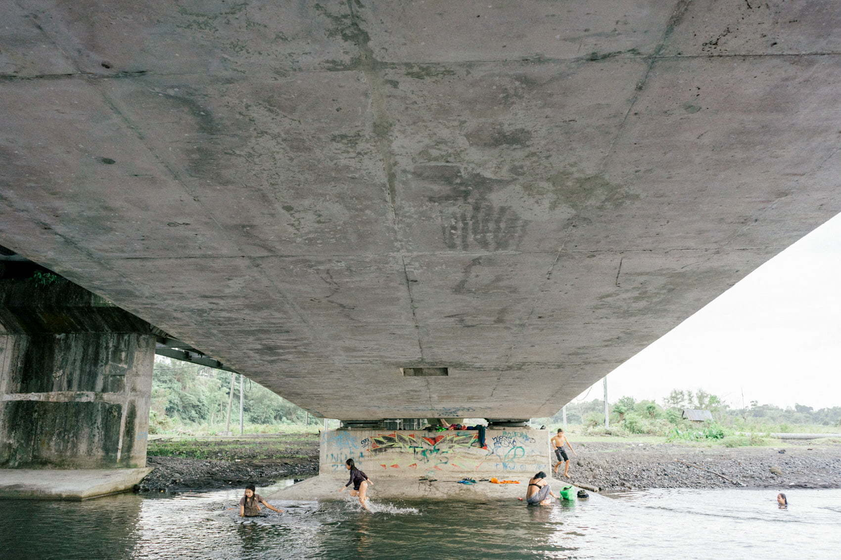 Photo Journal under the Gunaksa bridge in Klungkung